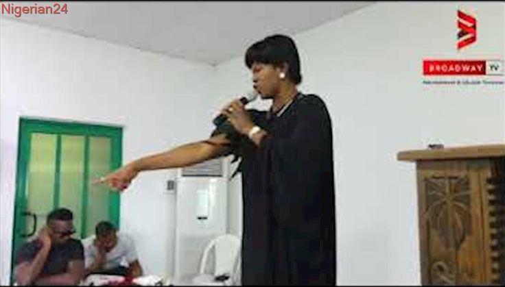 Stephanie Okereke Linus Speaks in Tongue as she pray for Eucharia Anunobi on her son's burial