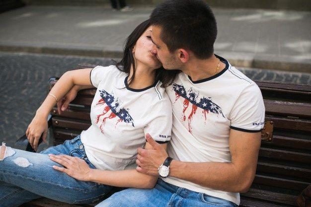 4 Besos Que Solo Dará Un Hombre Enamorado Hombre Enamorado Hombres Chicos Hipster