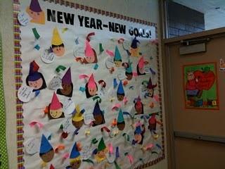 "New Year's goals. ""New Year-New Goals"": Christmasnew Years, Christmas New Years, Years Ideas, Schools Ideas, Schools Stuff, Teaching Ideas, Classroom Ideas, Winter Bb, Bb Ideas"