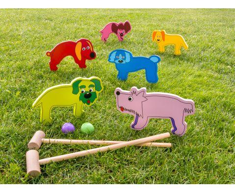 Kinder-Krocket 10-tlg - fördert die Konzentration und Geschicklichkeit - Stecken Sie die Hunde mit den Stiften in den Boden. Alle Spieler schlagen abwechselnd einmal und versuchen, dabei in möglichst wenigen Schlägen den Ball durch alle Bögen zu bekommen. Der Spieler mit der wenigsten Anzahl an Schlägen hat gewonnen. #Sport #Bewegung #Outdoor #Betzold #Betzoldkiga