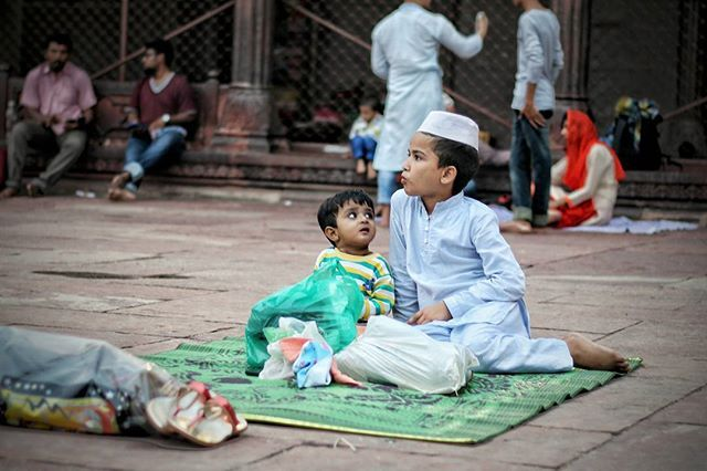 """ Bhaijaan "" Eid mubarak 🎉❤ - jama masjid, cb. --- Veronica gera© . . #indiapictures #_soi #_oye #india #storiesofindia #indiagram #desi_diaries #indianstories #delhigram #indiaclicks #_indiasb #incredibleindia #lonelyplanetindia #dfordelhi #igersindia #ig_india #igers_india #india_tourism_ #featuremyframe #everydayindia #dpeg #inspiroindia #indiaphotosociety #soiwalks #indiaig #traveldesi #mysimpleclick #sodelhi #saadidilli #indianphotography"