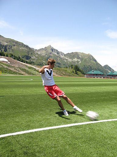 Wenn die Politik eingekocht wird - Charity-Fußball-Turnier | Fotograf: Tourismusbüro Kühtai | Credit:Tourismusbüro Kühtai | Mehr Informationen und Bilddownload in voller Auflsung: http://www.ots.at/presseaussendung/OBS_20130808_OBS0009