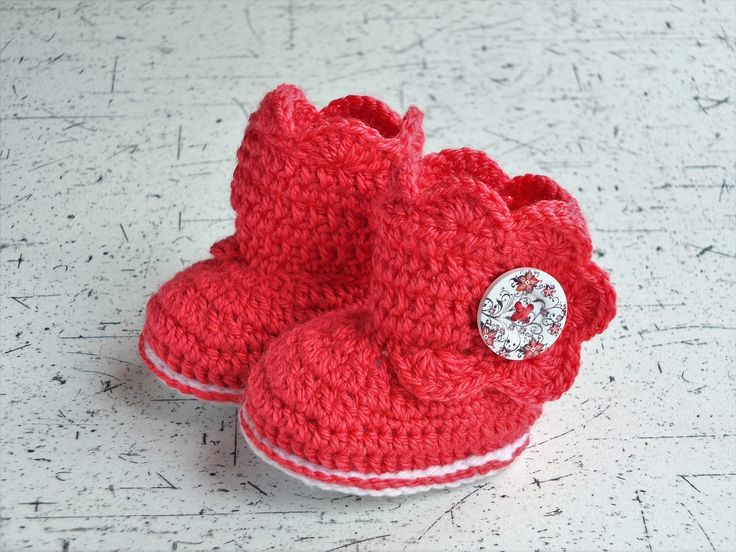 Red baby boots - Crochet baby booties - Baby girl shoes - Red baby shoes - Button booties - Infant booties - Baby girl booties - Baby gift by HandmadebyInese on Etsy