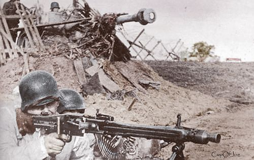 MG 42 Team Eastern Front 1943 | Colorized by CupOfJoe | Flickr