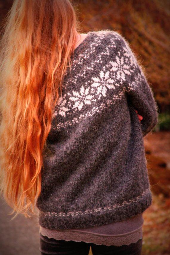 Icelandic Sweater Lopapeysa Handmade Pure Wool Grey par pureIceland, $165.00
