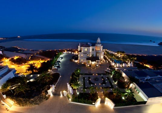 Eclectic Algarve boutique hotel right by the beach with a choice of rooms, a welcome drink and free use of the sauna and hammam