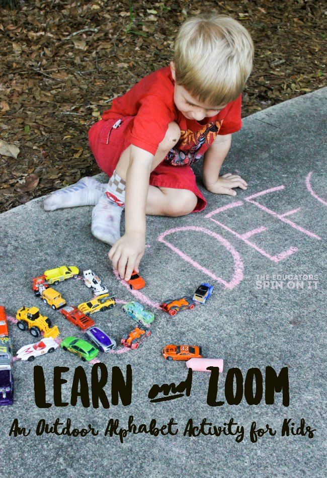 Zoom and Learn, a FUN & EASY literacy activity for preschoolers. Get learning outside with this alphabet car activity for kids.