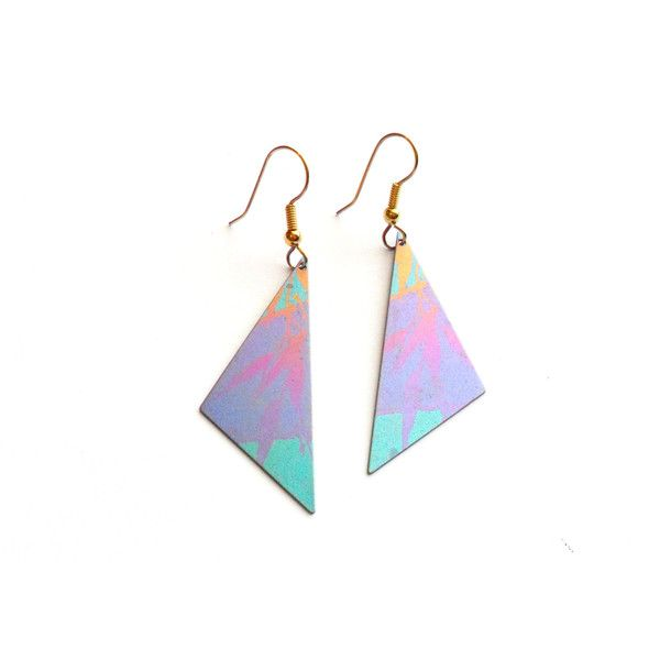 Vintage Tropical Leaf Earrings French Wire Painted Metal Triangle... (7 PAB) ❤ liked on Polyvore featuring jewelry, earrings, triangle earrings, vintage 80s earrings, vintage jewelry, gold leaf earrings and vintage gold jewelry