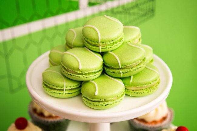 Tennis ball macaroon/cookie dessert