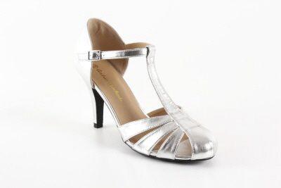 Mustat nahkajäljitelmä Charleston tyyppiset kantakapilliset nilkkaremmi sandaalit. - Naiset, Isot koot, Naiset, Pienet koot, Naiset, Korolli...