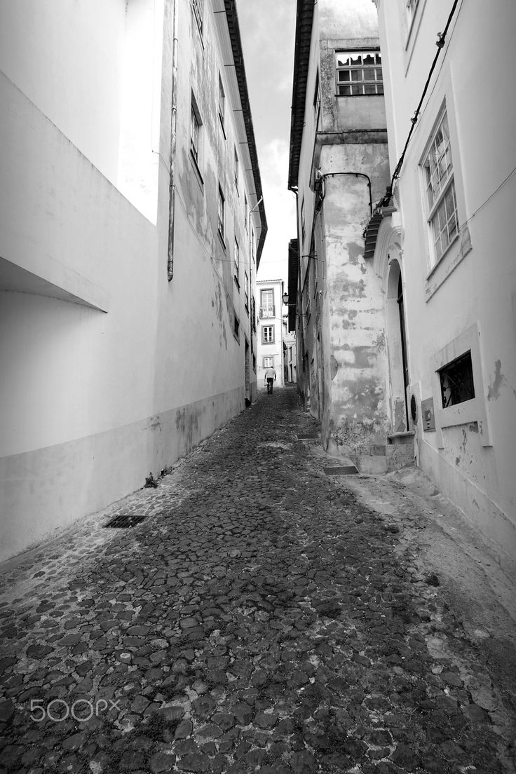 Narrow street - Coimbra, Portugal