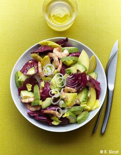 Salade avocat-mangue, trévise et crevettes pour 4 personnes - Recettes Elle à Table - Elle à Table