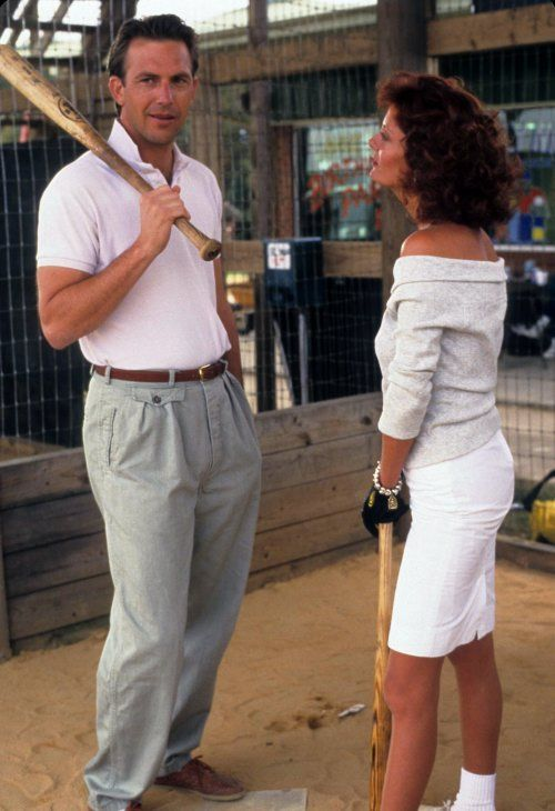 Kevin Kostner and Susan Sarandon in Bull Durham (1988), love the off the shoulder blouse