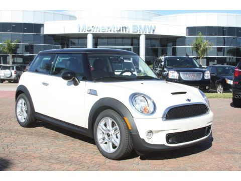 pepper white mini cooper hardtop with black roof i. Black Bedroom Furniture Sets. Home Design Ideas
