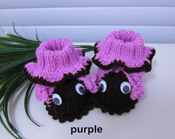 Crochet baby shoes purple baby booties white by AtelierLily
