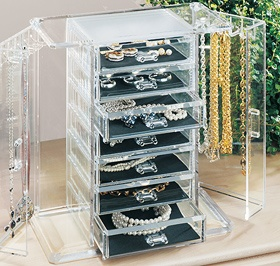 jewelry organizers the industry just hasnt figured it out