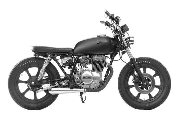 YAMAHA_XS 400 side