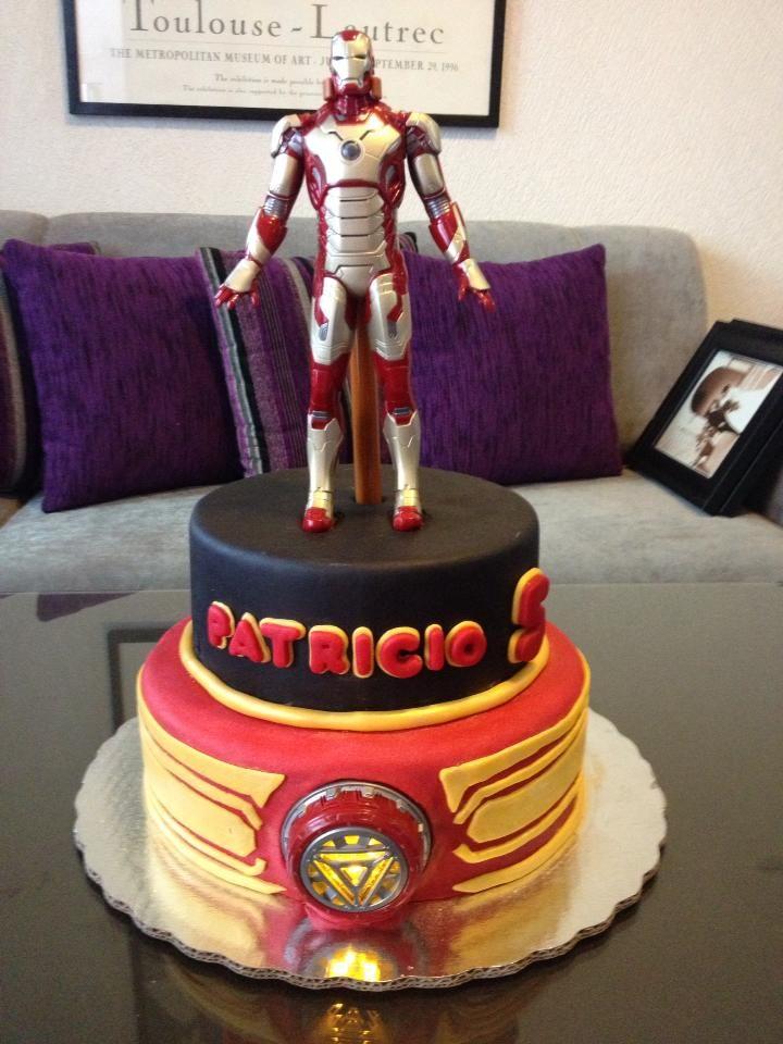 Pastel De Chocolate Y Fondant Iron Man Con Luz By
