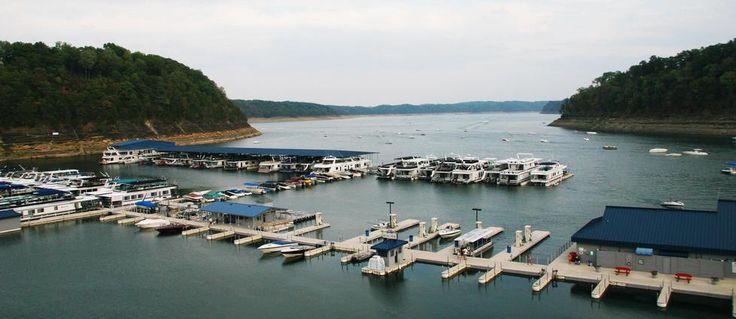 Lake Cumberland houseboat vacation