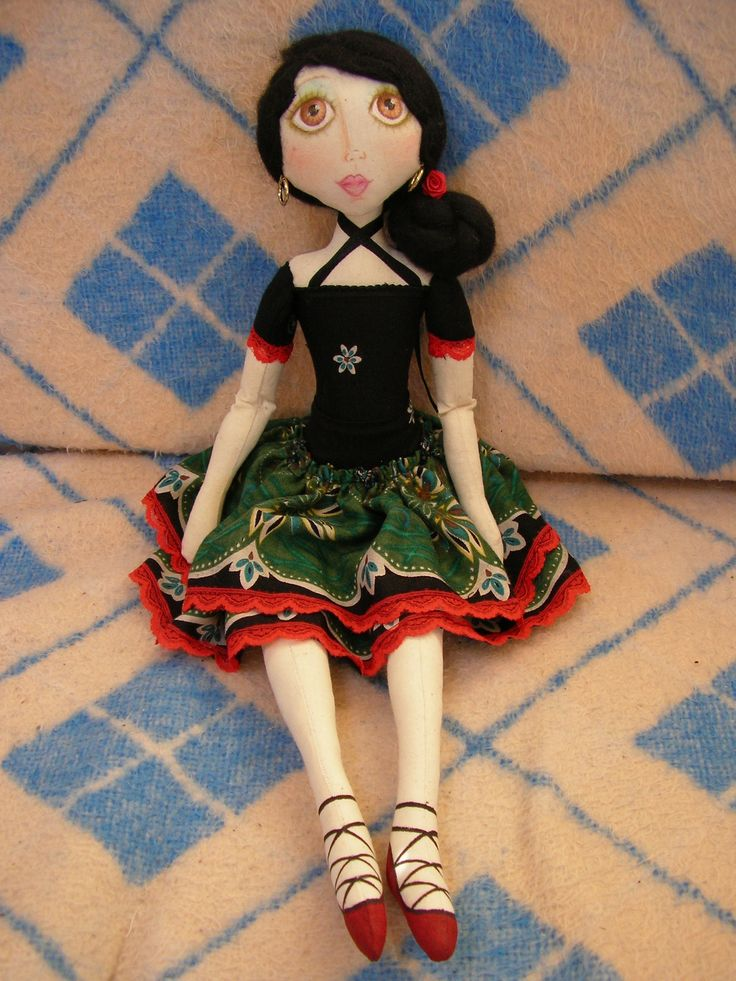 THIS DOLL WAS MADE FROM OFFCUTS FROM A TOP I MADE, I LOVE THE DRESS COLOURS. #CLOTHDOLL #ARTDOLL
