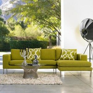 Fresh Green and White - Interior Color Trend 2013 For Cozy Living Room