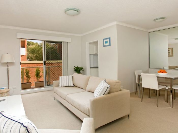 LJ Hooker Freshwater 20/16 Soldiers Avenue Freshwater Unit For Sale -  20/16 Soldiers Avenue  -  contact us at 99395400