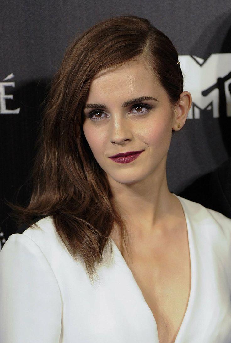 We loved Emma Watson's sideswept style and vampy lip.