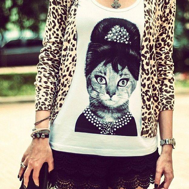 T-shirt Feminina Gatinha Audrey Hepburn, Tecido Flamê - Cam Shirts