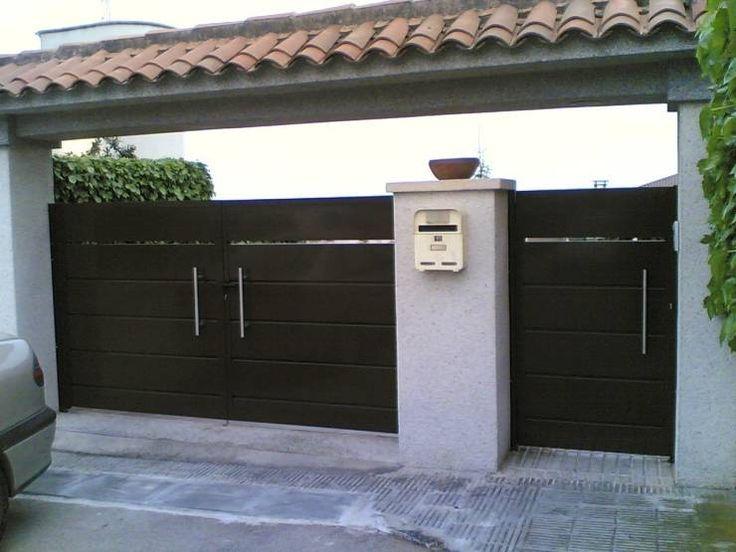 Puertas y ventanas de estilo moderno por CIERRES METALICOS AVILA, S.L.