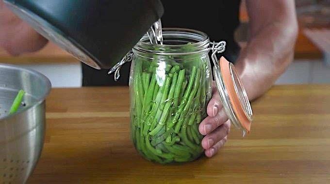 Besoin de conserver vos légumes frais pour l'hiver ?Si vous avezun potager, c'est le moment de faire des conserves !Ça permet de consommer des légumes pendant toute l'ann&ea