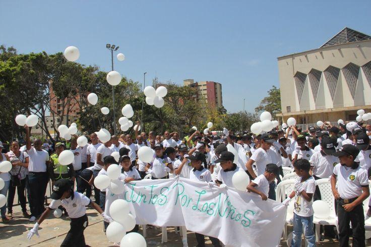 A viva voz pedimos respeto por la vida de los niños.  #JuntosPorLosNiños