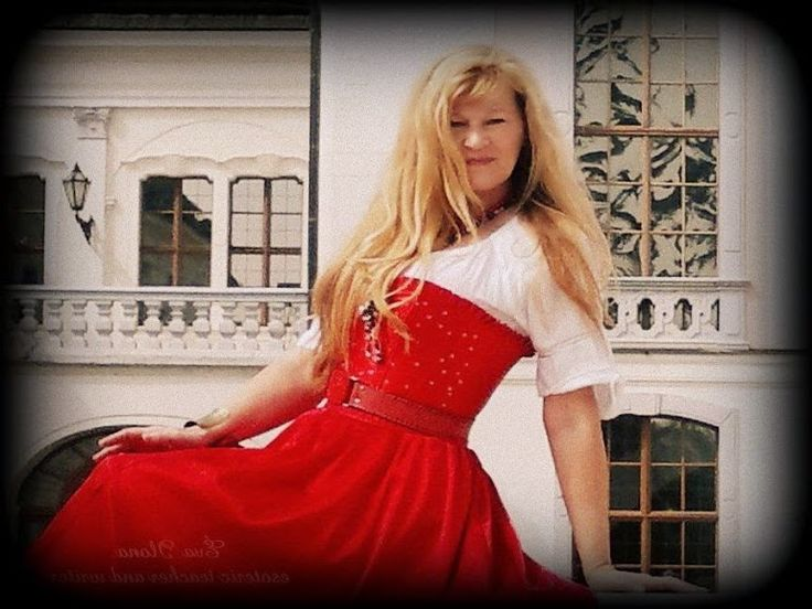 ÉVA ILONA, royal sybilla * ORACLE and esoteric teacher-writer