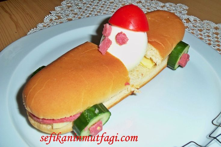 Şubattatilinde çocukları gülümsetecek değişik #kahvaltı yada ara öğüne #atıştırmalık Araba Yarışçısı Sandviç Tarifi #breakfast #sandviç #sandwich http://sefikaninmutfagi.com/araba-yariscisi-sandvic-tarifi/