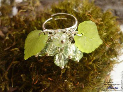 """Кольца ручной работы. Ярмарка Мастеров - ручная работа. Купить Кольцо """"Зеленый виноград"""".Зеленое кольцо.Кольцо с подвесками. Handmade."""