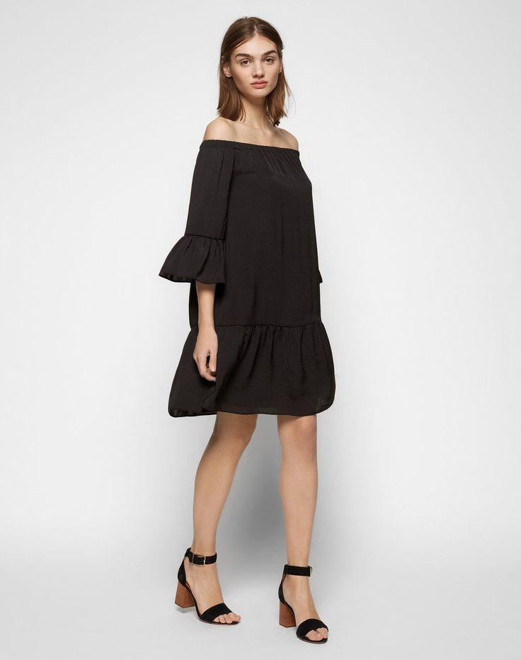 sommerliches kleid mit einem carmen ausschnitt von edited. Black Bedroom Furniture Sets. Home Design Ideas