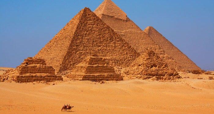 Cientistas finalmente explicam como as Pirâmides do Egito foram construídasCientistas finalmente explicam como as Pirâmides do Egito foram construídas
