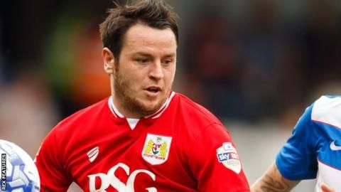 Lee Tomlin: Bristol City remain in talks with Bournemouth midfielder