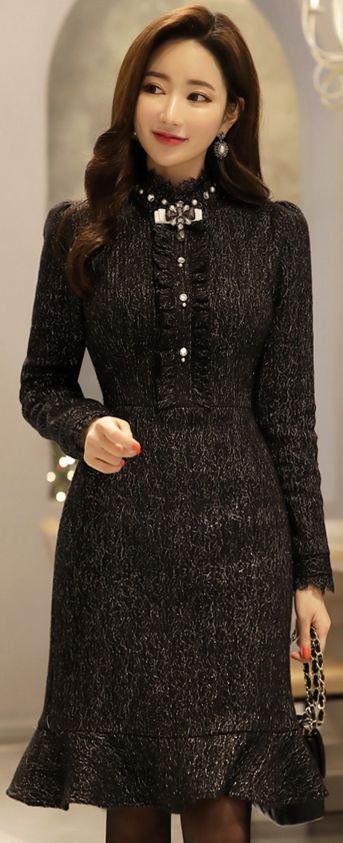 StyleOnme_Metallic Jeweled Brooch Set Mermaid Hem Dress #black #elegant #metallic #jewel #dress #koreanfashion #kstyle #kfashion #winterlook