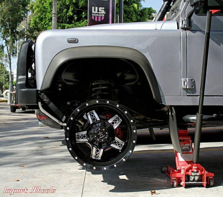 """Fitment desarrollo por Import Wheels para @rollingbigpower!  Único lugar en México con rines 20"""" en stock para Defender. #landrover #defender #landroverdefender #lexaniwheels #rollingbigpower #offroad #dondemas #importwheels #siempreinnovando #rines #todoterreno #mexico #guadalajara  http://ift.tt/1jap6to by importwheels Fitment desarrollo por Import Wheels para @rollingbigpower!  Único lugar en México con rines 20"""" en stock para Defender. #landrover #defender #landroverdefender…"""