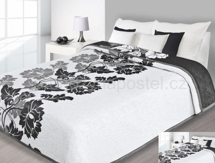 Přehoz na postel oboustranný bílý s černými květy