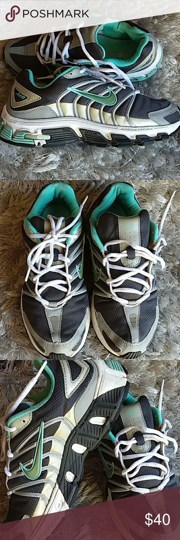 ◘ Nike Air Tri-d running shoes trainers 7.5 teal ◘ Very good condition - purchased for a job where I had to be standing for an entire shift. Then it was decided shoes had to be all white or black color, so I couldn't wear all my expensive shoes any longer!  Both Firm and Medium (layered) support on these soles, see pics. Please see all pics to detail condition. I'm very open to offers on these shoes. Size 7.5 Nike Shoes Athletic Shoes