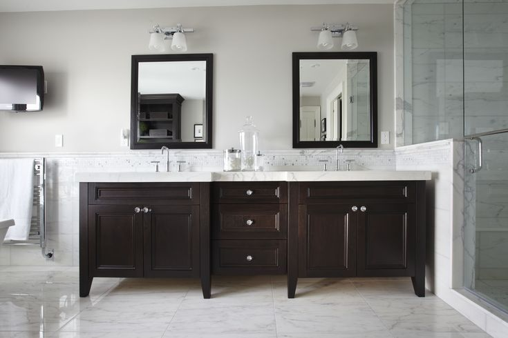 "A transitional style Master Ensuite by ""Parkyn Design""  www.parkyndesign.com"