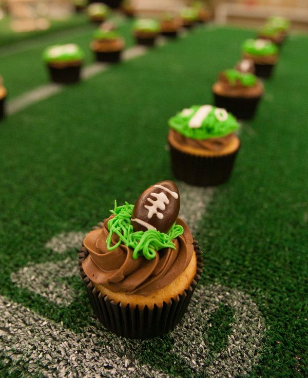 How cute are these football cupcake toppers? Football themed wedding.