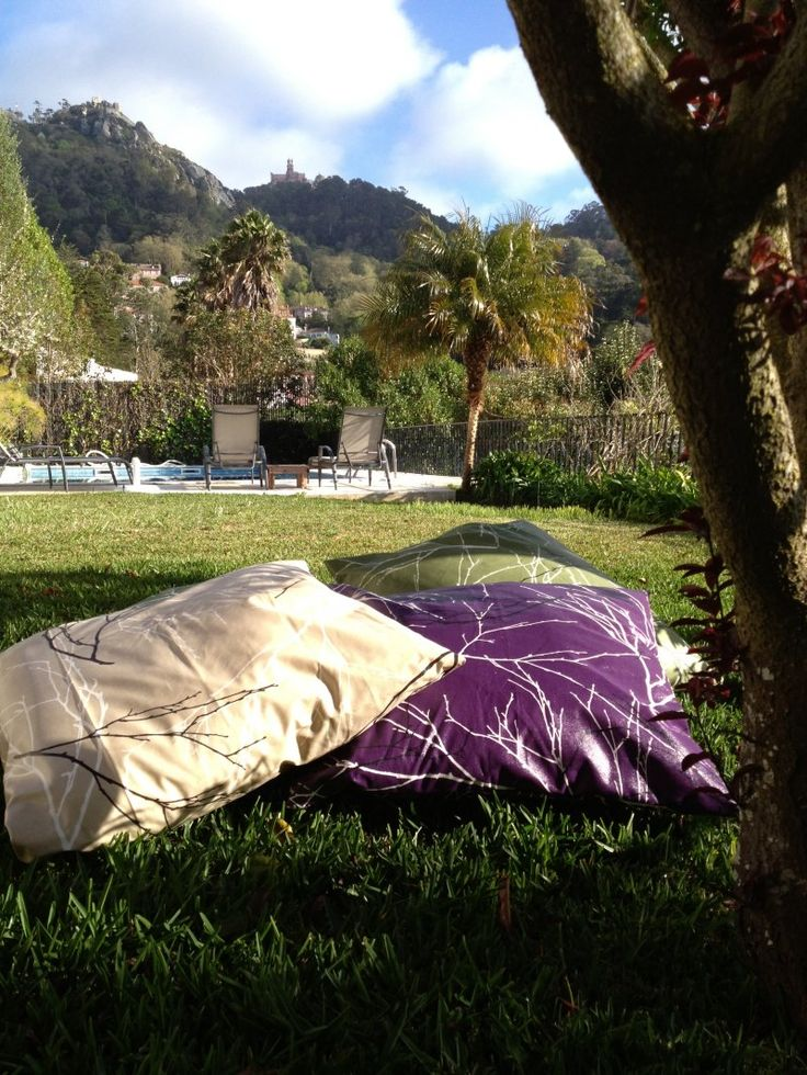 Come lay in the grass and enjoy the wonderful view here at Casa do Valle. #bedandbreakfast #nature #Sintra #Portugal #casadovalle #summer #garden
