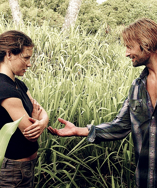 don't touch me with those filthy hands and that filthy smile of yours { sawyer ; kate austen ; lost }