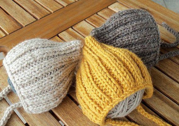 Newborn Photo Prop Bonnet hat Knit Baby Hat Winter Newborn por zoik, $22.00