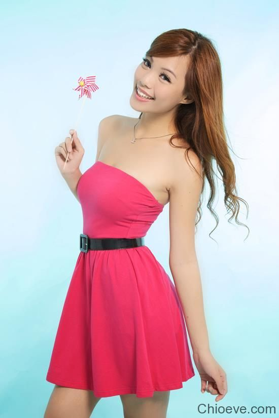 Emily Chia Hot Singaporean Blogger girl
