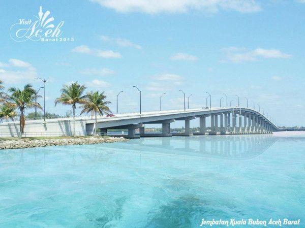 Jembatan Kuala Bubon sepanjang 105 meter merupakan jembatan terindah di Aceh. Terletak dikawasan Pantai Barat Selatan tepatnya di Kecamatan Samatiga, Aceh Barat. #VisitAceh