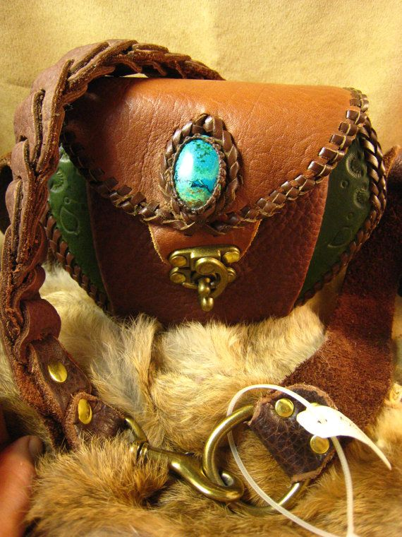Leather Shoulder Bag with Chrysocolla StoneLeather por Elquino