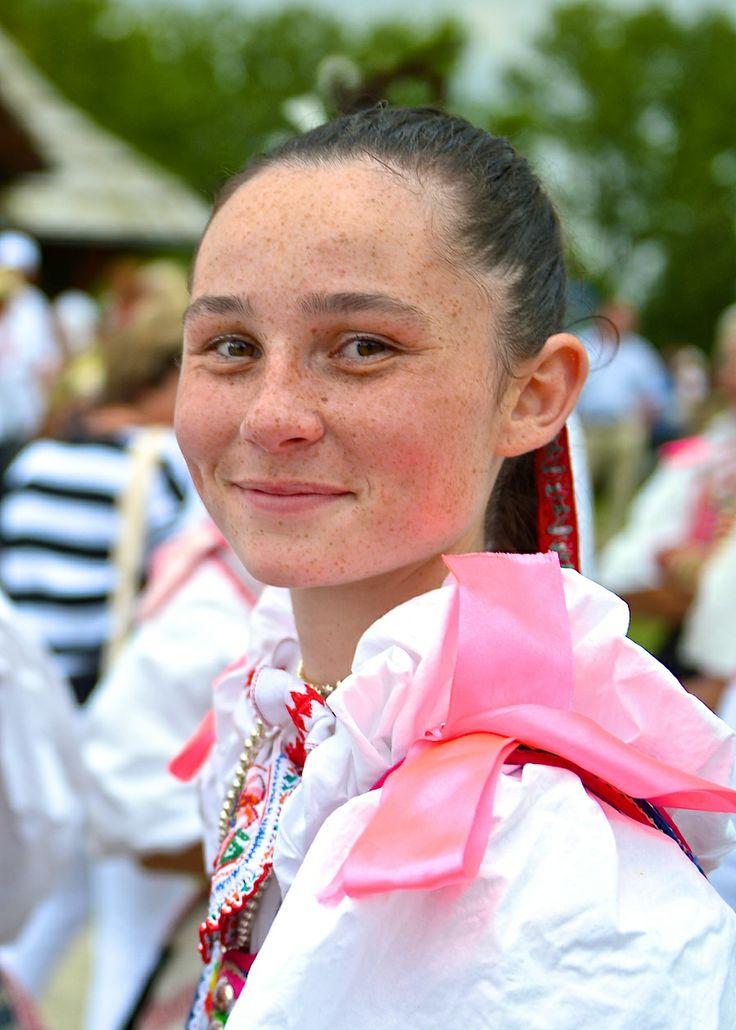 Slovak Girl - Folk Festival Vychodna 2013